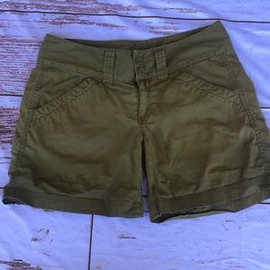 Green The North Face shorts